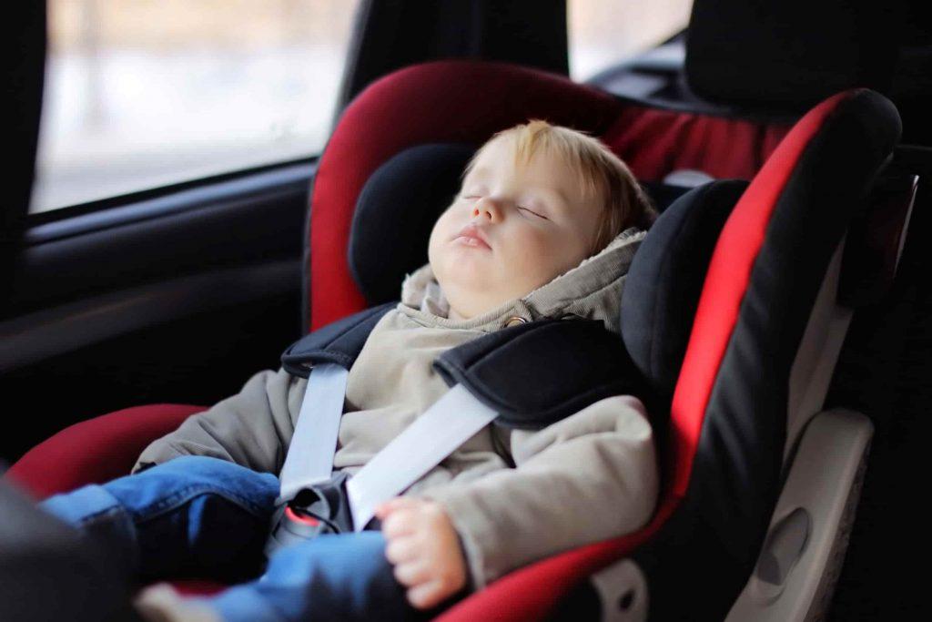quel si ge auto b b pour votre enfant autogenius le guide d 39 essai et d 39 achat automobile. Black Bedroom Furniture Sets. Home Design Ideas