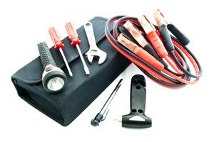 préparer sa voiture pour l'été et prévoir le kit de réparation en cas de panne