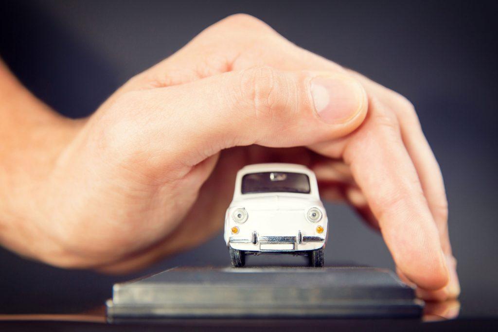 assurance automobile la check list des choses v rifier autogenius le guide d 39 essai et d. Black Bedroom Furniture Sets. Home Design Ideas